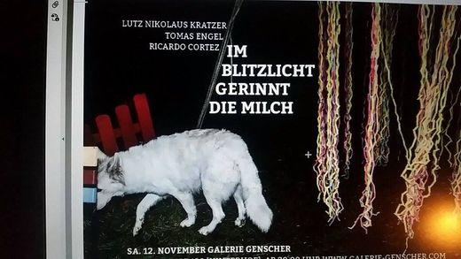 IM BLITZLICHT GERINNT DIE MILCH Lutz Nikolaus Kratzer/Tomas Engel/Ricardo Cortez