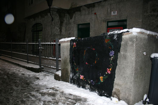intervention in public space in form of a tempooary textil installation