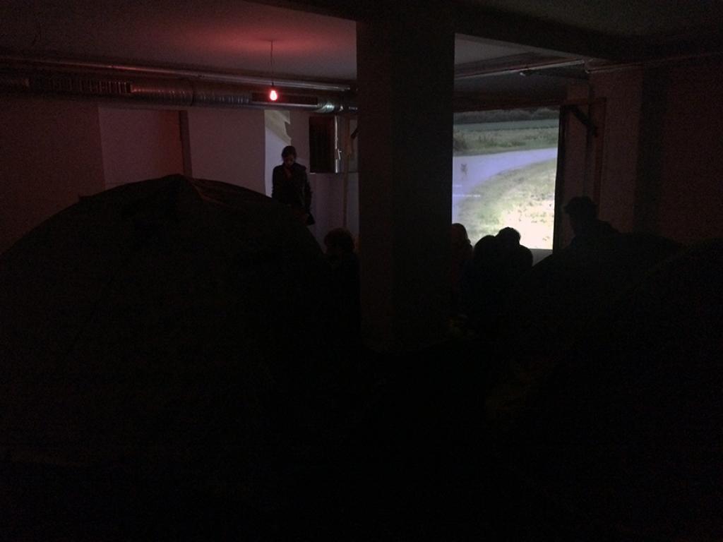 SEP 25 – 27   VIDEOCAMPING, NEUBAUWOHNUNG Eine Situation der Galerie Genscher Op