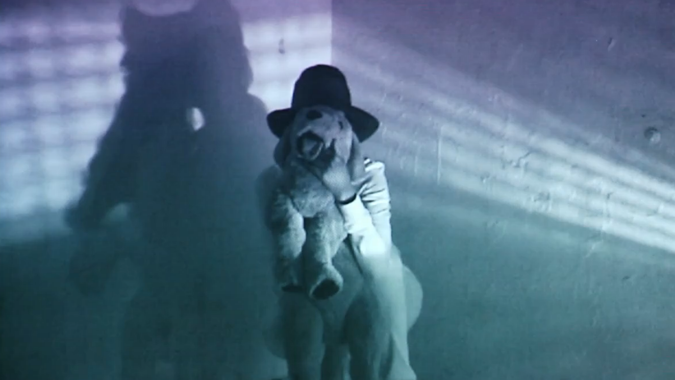 """ISLE OF LOX """"WITHOUT LIGHT AND GUIDE"""" 2013 / SUPER8 / MINI DV / HD / 06:02 MIN. / COLOR / STEREO"""